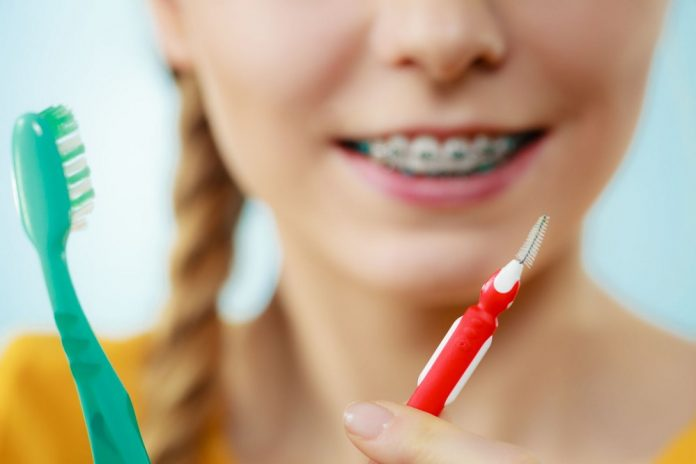 With regards to utilizing a reusable interdental brush, realize that they come in various sizes implied for grown-ups